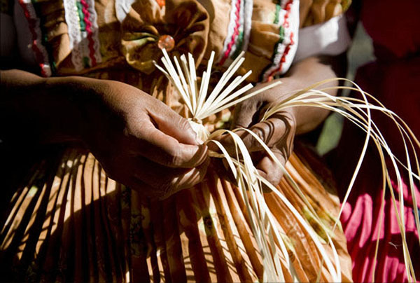 Weaving the Petate
